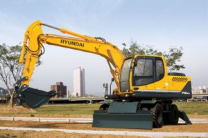 Hyundai 140 14.8 Tonne Large Excavator